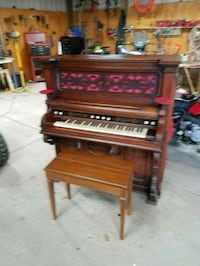 brown wooden upright piano with seat Mechanicsburg, 43044