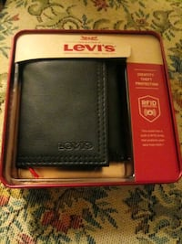 New Levis genuine leather wallet Point of Rocks