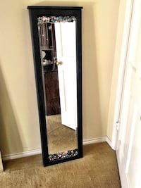 Mirrored/Jeweled Free Standing or Hanging Jewelry Cabin Beaumont, 77706