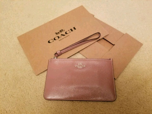 Coach Patent Leather Small Wristlet Wallet Dusty