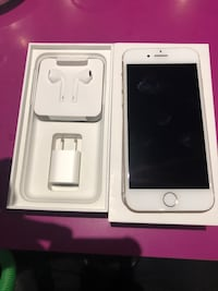 IPHONE 7 32GB UNLOCKED 10/10 CONDITION $250 FIRM