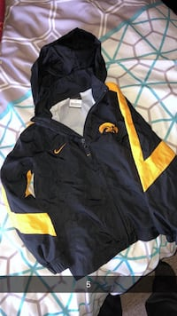 Kids Size 5 Nike Hawkeye jacket Ames, 50014