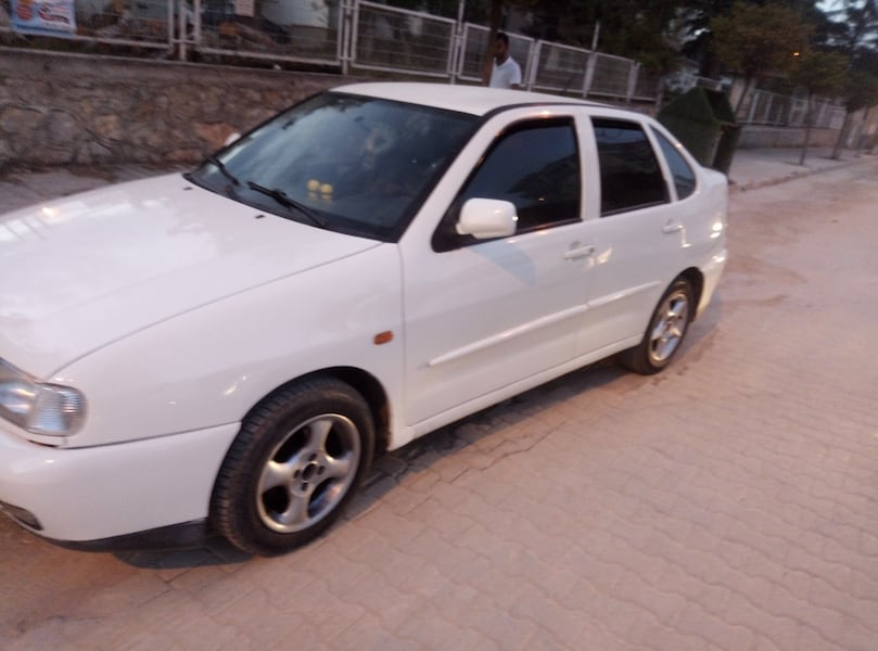 2000 Volkswagen Polo 1.6 CLASSIC FULL 0
