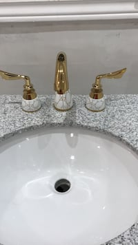 Gold-colored faucet solid brass with ceramic middle cups