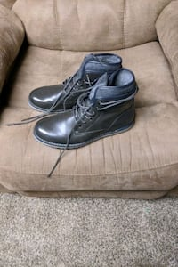 Shoes size 9 in mens