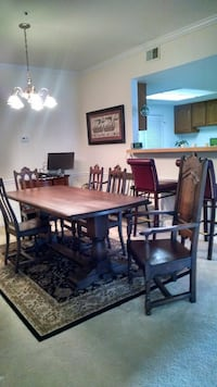 Dining table and chairs  Woodbridge, 22192