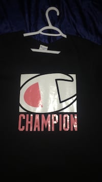 Champion T-Shirt Niagara-on-the-Lake