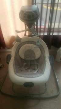 Baby swing/bassinet  Suitland-Silver Hill, 20746