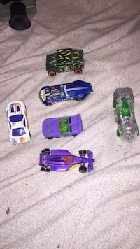 five assorted die-cast cars Huntsville, 35806