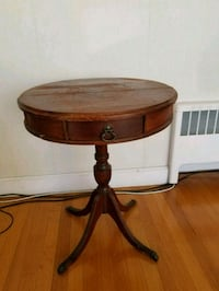 Antique table Lynnfield, 01940