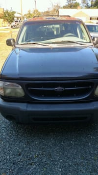 black Ford Explorer SUV Burlington, 27215