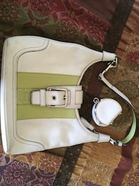 Coach purse (medium size) Sherwood Park, T8H