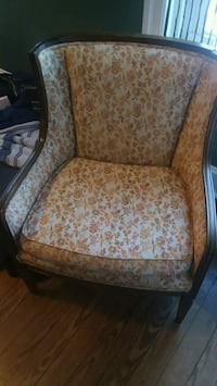 Nice antique chair West Chester, 19380