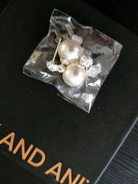 Brand new Pearl earrings 25 km