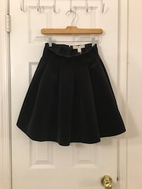 Velvet luxury skirt(size2)never wear 13 mi