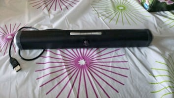 LOGITECH MINI SOUNDBAR SPEAKER &CLIP