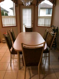Immaculate Table and 6 chairs Edmonton, T5Y 3H3