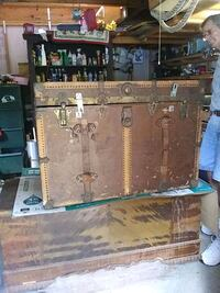 Antique trunk, varying colors, sizes, and styles.  6 left.