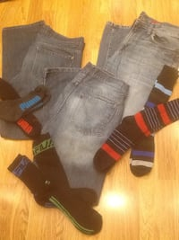 Three denim jeans 34 x 32 straight fit & 6 pairs of socks