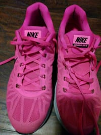 Nike pink woman size 10 in the. Half very good con Bakersfield