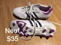 Pair of white-and-purple nike basketball shoes Boisbriand, J7G 2Z1