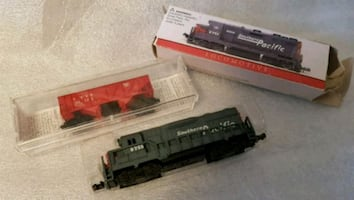 2 Vintage Z Scale Trains Locomotive is heavy