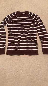 Red and white stripped sweater Lovettsville, 20180