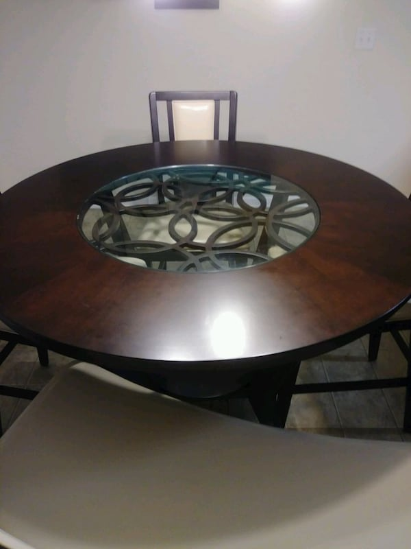 Tall dining table w/bench & 3 chairs cd6399eb-a4ac-465b-b798-e87f1af0ccc3