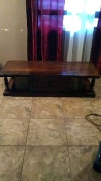 rectangular brown wooden coffee table Las Cruces, 88005