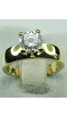 18k GF Engagement Solitaire Ring Size 5,8