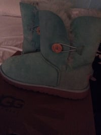 Uggs blue green size 5 kid 7 adults New Windsor, 12553