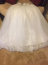 White floral lace wedding gown 36 km