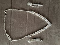 silver-colored tennis necklace and pair of earrings Montréal, H9H 1Y2