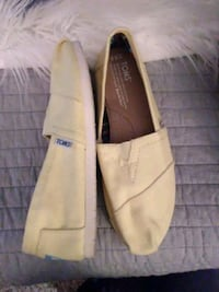 Sz 6.5 Brand New Tom's (Yellow)  Northport, 35473