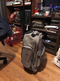 Rolling carry-on luggage (backpack) Los Angeles, 91601