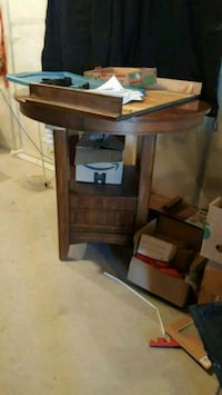 Kitchen table (bar type) round comes with leaf Spruce Grove, T7X 0L1