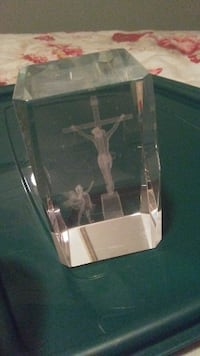 Crystal depiction of crucifixion and angel London