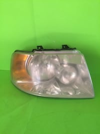 2003-2006 FORD EXPEDITION RIGHT/PASSENGER SIDE HALOGEN HEADLIGHT San Marcos, 92069