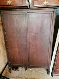 brown wooden 2-door cabinet Calhoun, 30701