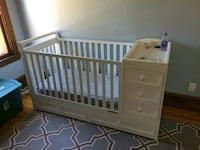 Crib with changing table and drawers Saint Paul, 55117