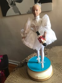 Ballerina Nutcracker dancing doll ( Vintage)   New York, 11418