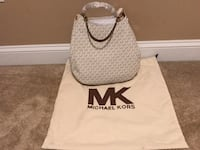 white and black Michael Kors leather tote bag Gainesville, 20155
