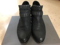 Vince Camuto boots size 7 Toronto, M1T 1A8