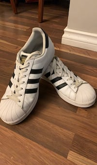 Adidas superstars  Surrey, V3W 6G6