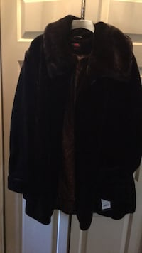 Coat new, not worn, Gallery Woman , size 1X Springfield, 22153