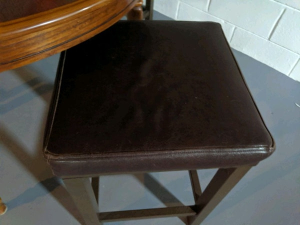 Barstools Faux Leather x3 1721a997-f157-41ed-85e1-44acc17cbe99