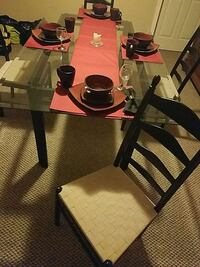 Glass top dining room table  Gilbertsville, 19525