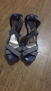 Guess blue high heeled summer shoes Welland, L3C 0A2