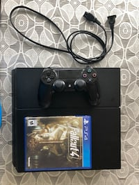 Ps4 with controller and Fallout 4 Mississauga, L4W