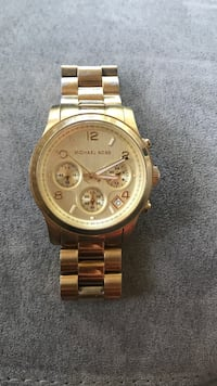 Round gold michael kors chronograph watch with link bracelet Cambridge, N3H 4R6